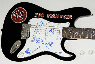 FOO FIGHTERS Dave Grohl Autograph Signed Guitar Complete Band